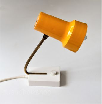 Table lamp yellow view2