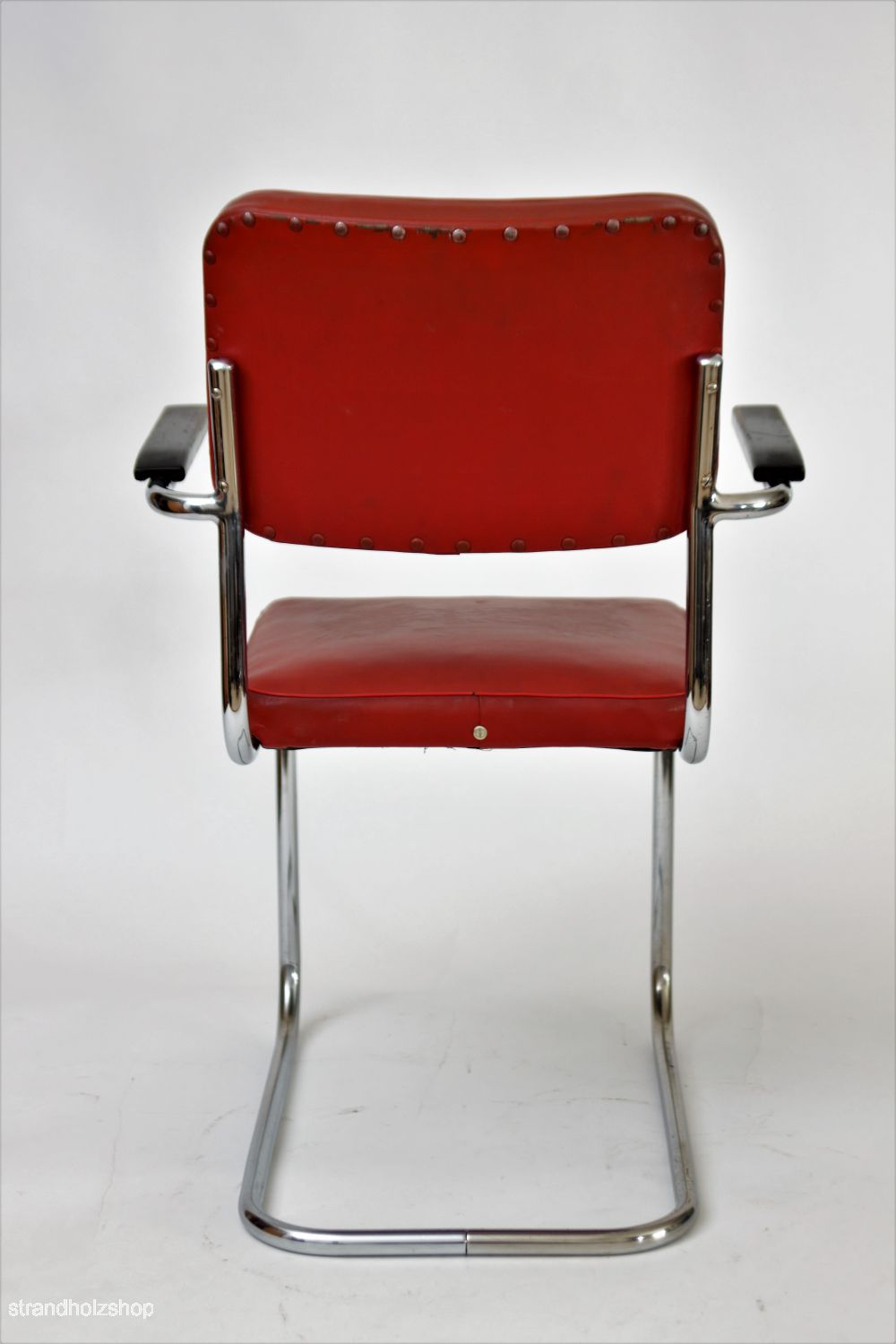 Mauser chair back view